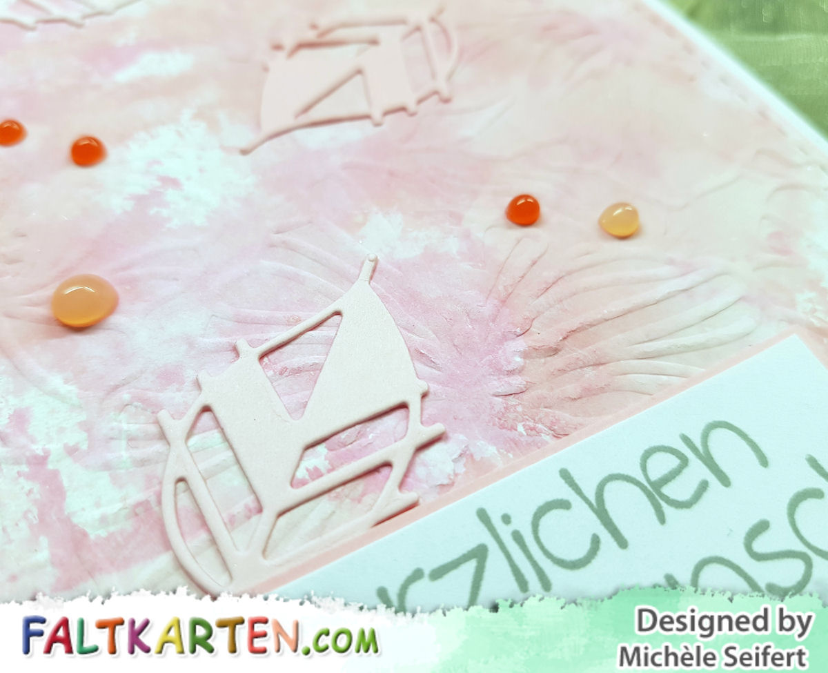 Simply Graphic - feuilles asymétriques - Gummiapan - Faltkarten.com - struktur rosa - babypink - Distress Oxide - Herbst - Geburtstagskarte