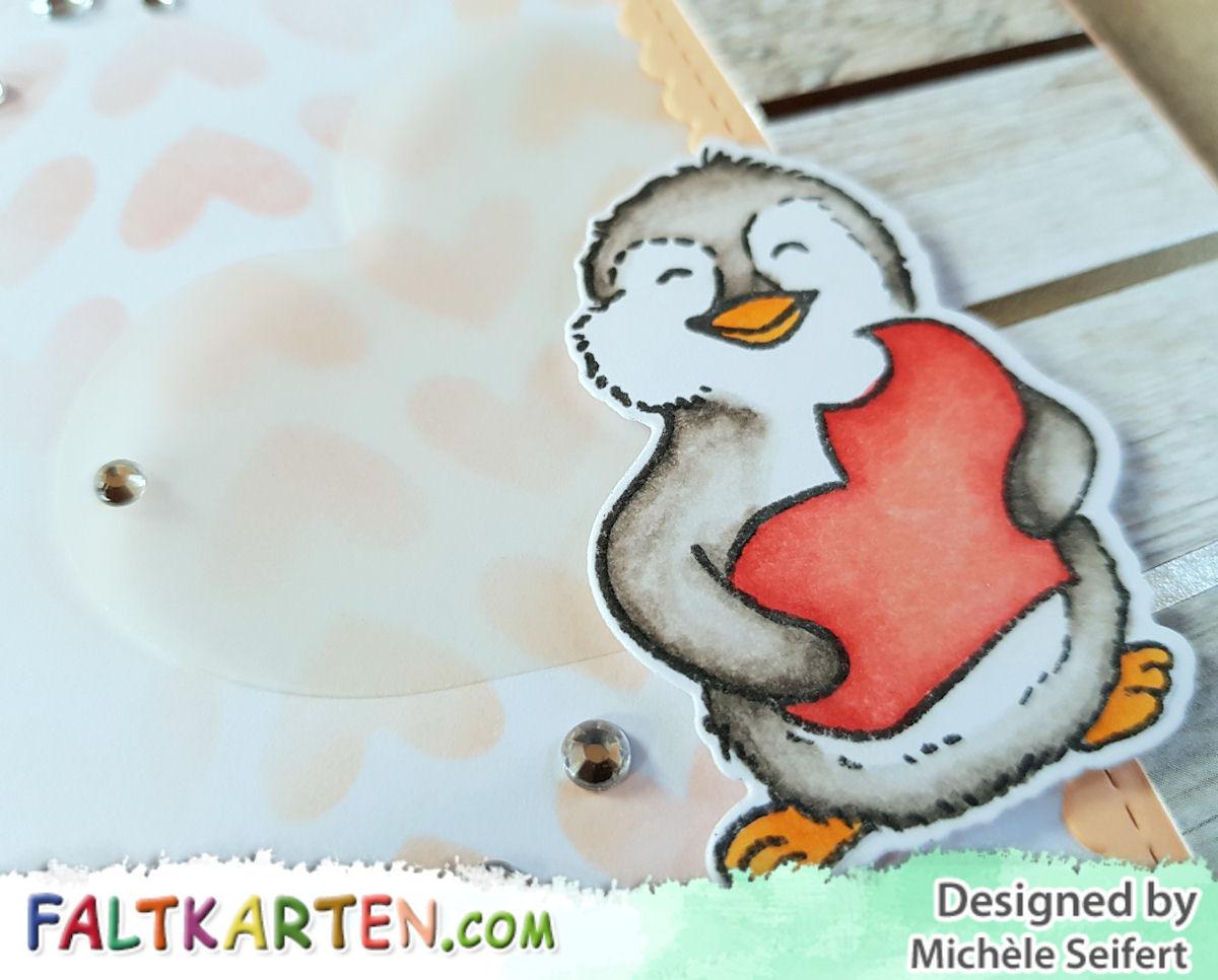 Kulricke - Felix mit angebissenem Herz - Alles Liebe - Faltkarten.com - salmon - Geburtstagskarte - Pinguin - Copics
