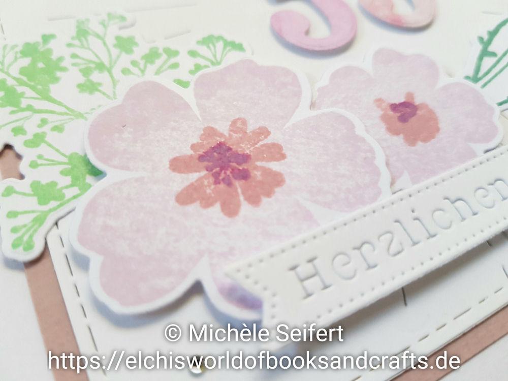 My Favorite Things - MFT - Pressed Flowers - Honey Bee Stamps - Radiant Background - Distress Oxide - Geburtstagskarte - Birthday Card